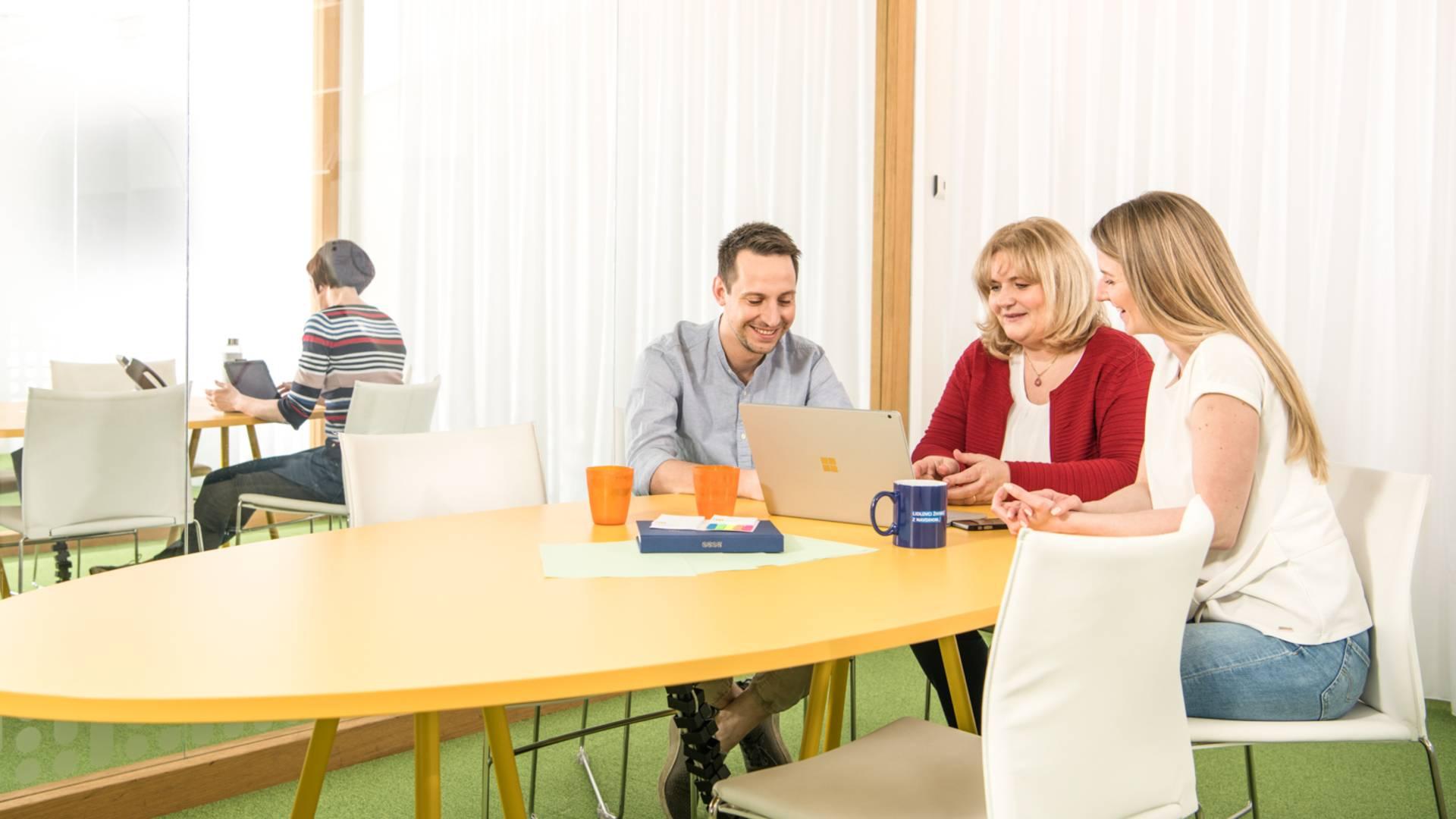 uprava-skupinska-sestanek