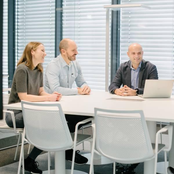 uprava-ekipa-sestanek